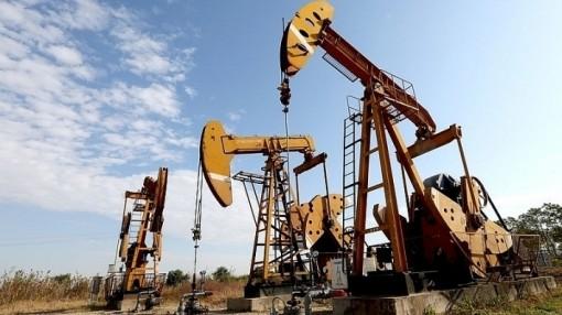 Giá xăng dầu hôm nay 4-4: Đồng loạt tăng vọt