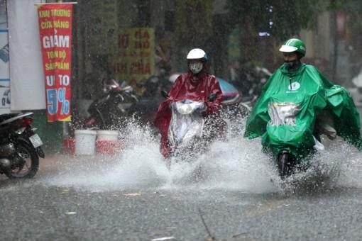 Thời tiết ngày 6-4: Nhiều khu vực trong cả nước có dông, đề phòng lốc, sét, mưa đá và gió giật mạnh