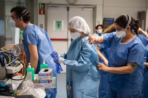 Các nước châu Âu tiếp tục thực hiện các biện pháp chống dịch