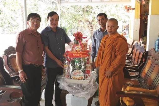 Đồng bào dân tộc thiểu số Khmer chung tay phòng, chống dịch bệnh Covid-19