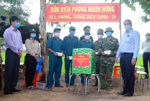 Chủ tịch UBND tỉnh An Giang Nguyễn Thanh Bình thăm, kiểm tra công tác phòng, chống dịch bệnh Covid-19 trên tuyến biên giới