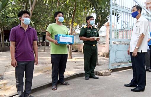 Phó Bí thư Thường trực Tỉnh ủy An Giang Võ Anh Kiệt thăm, kiểm tra công tác phòng, chống dịch bệnh Covid-19 tại Phú Tân