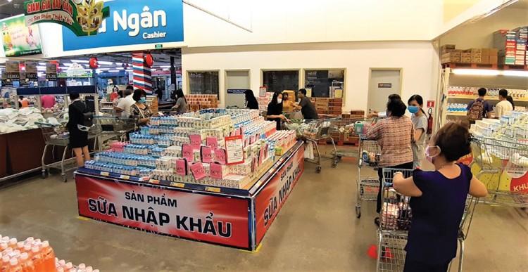 Đi chợ, siêu thị những ngày cách ly xã hội
