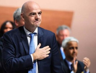FIFA ủng hộ UEFA hoàn tất mùa giải 'bằng mọi giá'