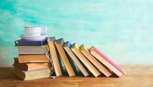 Đừng đòi hỏi nhà văn tặng sách