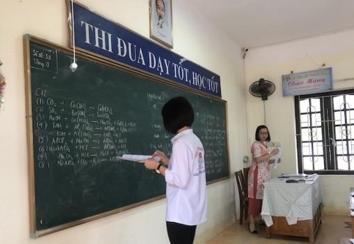 Giảm bớt số đầu điểm kiểm tra học kỳ II cấp THCS, THPT
