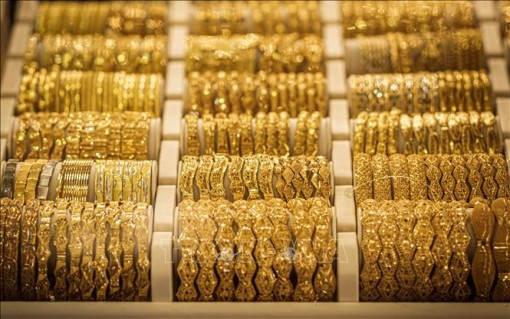 Giá vàng thế giới đi xuống trong phiên giao dịch ngày 27-4
