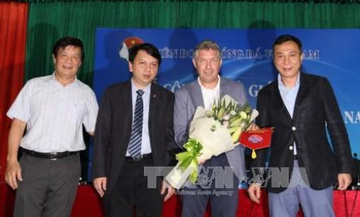 Bóng đá Việt Nam chia tay Giám đốc kỹ thuật Jürgen Gede vào tháng 6/2020
