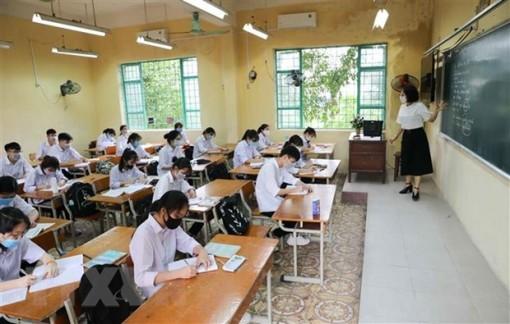 Bộ GD-ĐT: Không bắt buộc học sinh đeo khẩu trang trong lớp