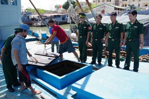 Hải đoàn 18 BĐBP bắt tàu vận chuyển hơn 100 nghìn lít dầu DO