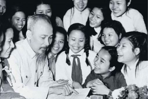 """Cầu truyền hình """"Hồ Chí Minh - Sáng ngời ý chí Việt Nam"""""""
