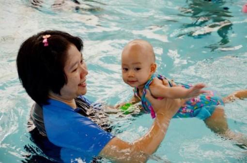 6 điều cha mẹ cần biết trước khi cho trẻ đi học bơi
