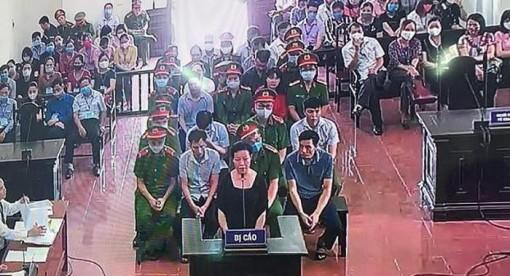 Vụ gian lận điểm thi Hòa Bình: Bị cáo bị đề nghị mức án cao nhất đến 12 năm tù