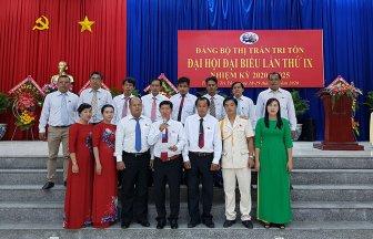 Đồng chí Nguyễn Văn Sấm tái đắc cử Bí thư thị trấn Tri Tôn