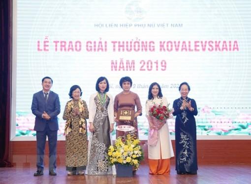 Giải thưởng Kovalevskaia tôn vinh tập thể nghiên cứu về dịch cúm