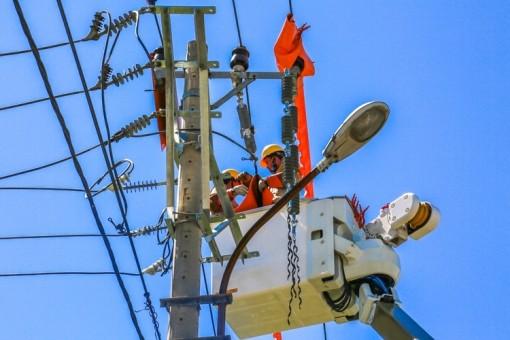 Nắng nóng gay gắt, tiêu thụ điện cao nhất lịch sử