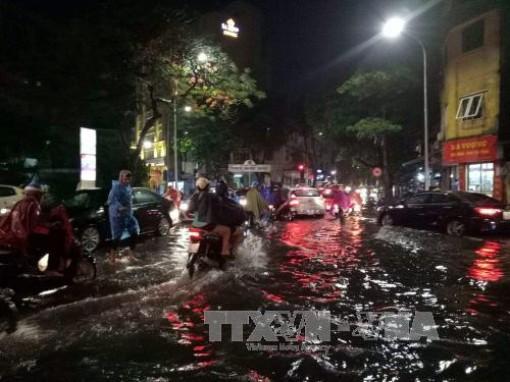 Từ chiều 22-5, Bắc Bộ và Bắc Trung Bộ có mưa dông mạnh, Hà Nội đề phòng ngập lụt