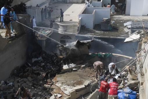 Không ai còn sống trong vụ rơi máy bay chở 107 người tại Pakistan
