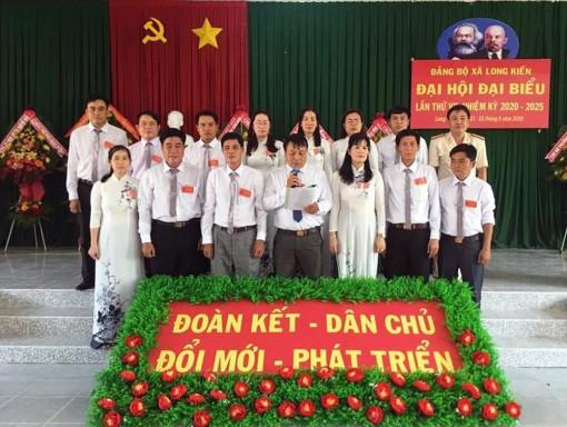 Đồng chí Nguyễn Văn Bé Hai tái đắc cử Bí thư Đảng ủy xã Long Kiến