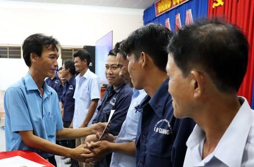 Tháng Công nhân ở huyện miền núi Tri Tôn