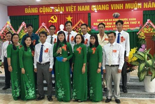 Đồng chí Đặng Thị Kim Xuyến tái đắc cử Bí thư Đảng ủy xã Bình Phước Xuân