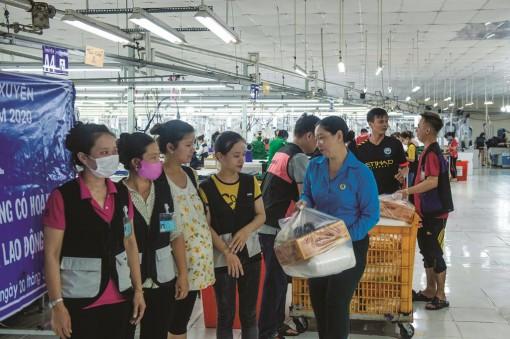 Chăm lo đoàn viên, người lao động bị ảnh hưởng dịch bệnh Covid-19