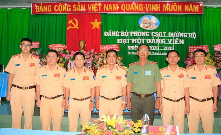 Thượng tá Đoàn Thanh Tâm tái đắc cử Bí thư Đảng ủy Phòng Cảnh sát Giao thông đường bộ Công an An Giang (nhiệm kỳ 2020-2025)