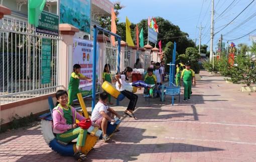 Phú Tân chăm lo cho thiếu nhi nhân dịp 1-6