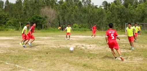 Nhà Bàng phát huy thế mạnh bóng đá phong trào