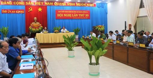 Hội nghị Ban Chấp hành Đảng bộ tỉnh lần thứ 20: Cho ý kiến các dự thảo văn bản trình Đại hội đại biểu Đảng bộ tỉnh lần thứ XI