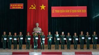 Bộ Chỉ huy Quân sự tỉnh trao quyết định thăng quân hàm và nâng lương cán bộ năm 2020