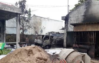 Cháy xe bồn chở dầu, tài xế chết tại chỗ, vợ chồng chủ cây xăng bị bỏng nặng