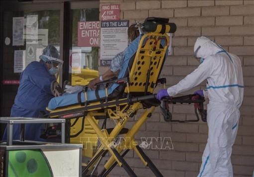 Mỹ ghi nhận 1.021 ca tử vong mới do COVID-19 trong 24 giờ qua