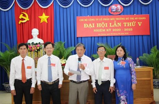 Đồng chí Nguyễn Ngọc Sơn tái đắc cử Bí thư Chi bộ Công ty Cổ phần Môi trường đô thị An Giang nhiệm kỳ 2020-2025