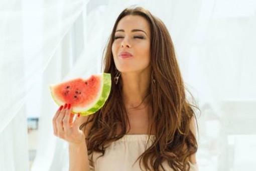 Những sai lầm nghiêm trọng khi ăn dưa hấu, cần loại bỏ ngay
