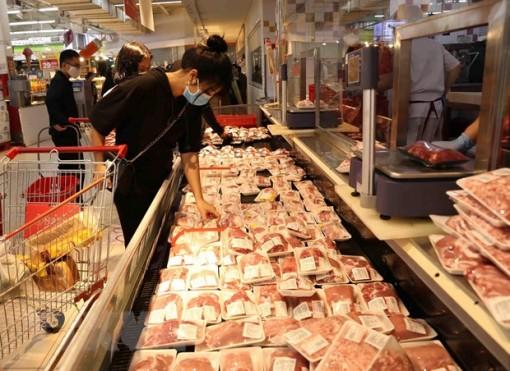 Nhập khẩu thịt lợn tăng gần 300% nhưng gặp khó từ thuế và nguồn nhập
