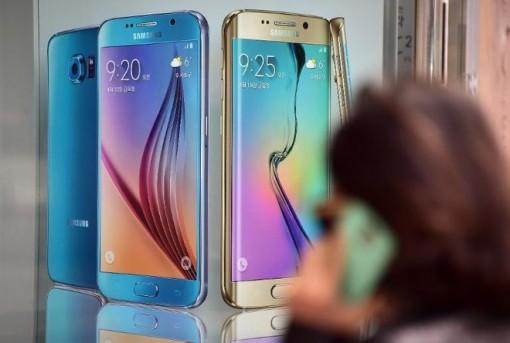 Vì sao smartphone liền khối thống lĩnh thị trường?