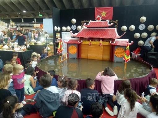 Người 'thắp lửa' đam mê với nghệ thuật múa rối nước