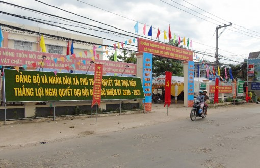 Phú Thạnh về đích xã nông thôn mới