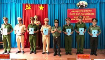 58 cán bộ, chiến sĩ Công an Châu Phú nhận quyết định thăng cấp bậc hàm, nâng bậc lương