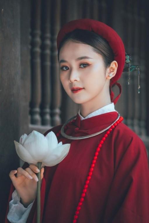 Hoa khôi Tài sắc Việt Nam đẹp 'hút hồn' với áo dài cổ phục