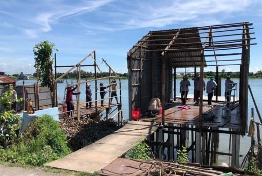 Bình Mỹ hoàn thành di dời 29 nhà ở và 19 lều trại cặp sông Hậu vùng cảnh báo sạt lở nghiêm trọng