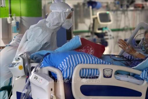 Israel ghi nhận số ca nhiễm mới trong ngày cao nhất, Palestine phong tỏa khu Bờ Tây