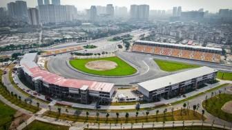 32 tay đua Việt Nam được trao bằng đua ô tô thể thao