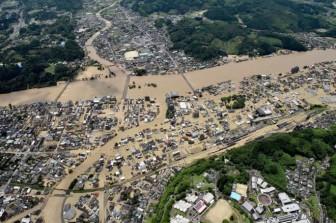 Mưa lũ gây ngập lụt nghiêm trọng, Nhật sơ tán 75.000 người