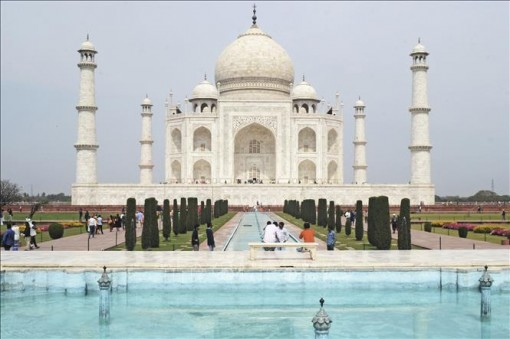 Từ 6-7, Ấn Độ mở cửa lại đền Taj Mahal