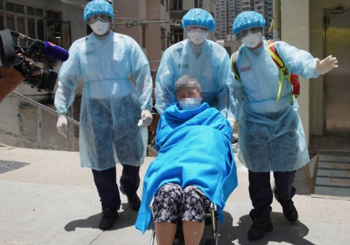 Hong Kong chiến đấu với làn sóng COVID-19 thứ ba