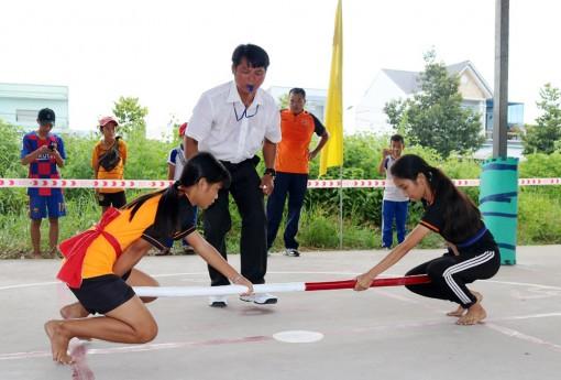 Sôi nổi sân chơi thể thao truyền thống trong học sinh