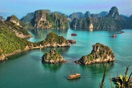 Vịnh Hạ Long - 'Bức tranh thủy mặc' khổng lồ của Vịnh Bắc Bộ