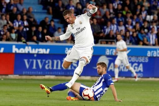Real Madrid tiến gần ngôi vương La Liga với 8 trận thắng liên tiếp